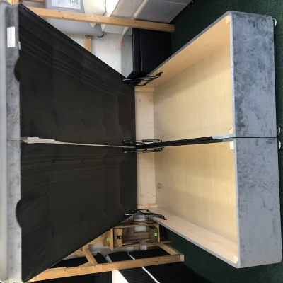 Deluxe lift up bed